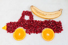 Romã e laranja como a forma do caminhão Imagem de Stock