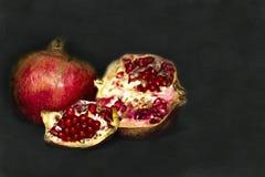 Romã - fruto vermelho asiático Fotos de Stock