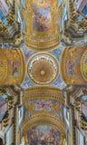 Rom - die Decke barocken Kirche Basilika dei Santi Ambrogio e Carlo al Corso Stockbilder