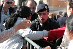 Störungen während der Regelung von Papst Francis bei Johannes, Rom Lizenzfreie Stockfotos