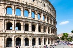 ROM, Italien: Gro?er Roman Colosseum Coliseum, Colosseo alias Flavian Amphitheatre Ber?hmter Weltmarkstein Szenisches urba lizenzfreies stockfoto