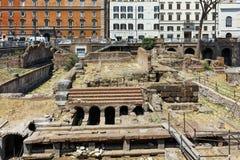 ROM, ITALIEN - 23. JUNI 2017: Erstaunliche Ansicht von Largo di Torre Argentina in der Stadt von Rom Stockbilder