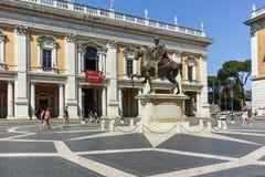 ROM, ITALIEN - 23. JUNI 2017: Leute vor Capitoline-Museen in der Stadt von Rom Lizenzfreies Stockfoto