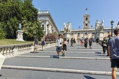ROM, ITALIEN - 23. JUNI 2017: Leute vor Capitoline-Museen in der Stadt von Rom Lizenzfreie Stockbilder