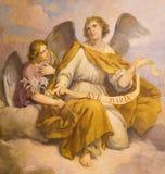 ROM, ITALIEN - 9. MÄRZ 2016: Das Fresko von Engeln in Kirche Chiesa-Di Santa Maria in Aquiro u. in x28; Unsere Dame von Lourdes-c Lizenzfreie Stockfotografie