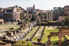 ROM, Italien: Szenische Ansicht von altem Roman Forum, Foro-Romano, UNESCO-Standort stockbild