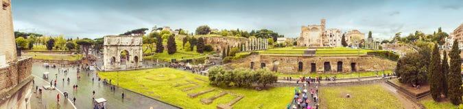 Rom-Panorama mit Triumphbogen und -forum Stockbild