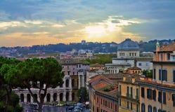 Rom-Panoramageb?udeabend stockfoto