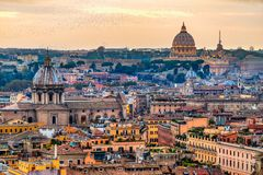 Rom-Skyline mit St. Peter Cathedral, Rom, Italien Lizenzfreies Stockbild