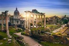 Rom-Stadt-BUsonnenaufgang Italien Stockfotos