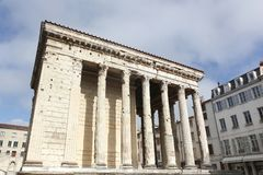 Romańska świątynia Augustus w Vienne, Francja fotografia stock