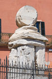 Romańska kolumna. Brindisi. Puglia. Włochy. Zdjęcia Stock
