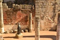 Romańska statua przy meridaTheatre, Hiszpania Zdjęcie Royalty Free