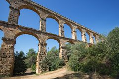 Romański akwedukt «El ponte Del Diablo «most diabeł blisko Tarragona, Hiszpania obraz royalty free