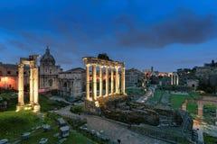 Romański forum przy nocą w Rzym, Włochy Obrazy Stock