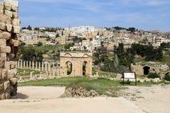 Romański miasto Gerasa i nowożytny Jerash Fotografia Stock