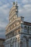 Romańszczyzny fasada San Michele w Foro, kościół rzymsko-katolicki w Lucca, Tuscany Zdjęcie Stock
