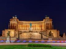 roma Altare della patria alla notte Fotografie Stock