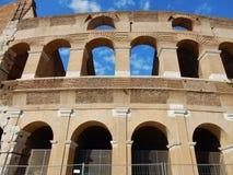Roma - arcos restaurados del Colosseum Imagenes de archivo