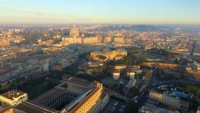 Roma capital histórica con las señales alrededor del río Tíber en Italia 4K ultra HD almacen de metraje de vídeo