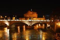 (Roma) castelo e ponte de Sant'Angelo Imagem de Stock
