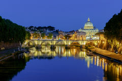 roma Catedral do ` s do rio e do St Peter de Tibre fotos de stock