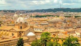 Roma dachy od Vittoriano pałac wierzchołka Fotografia Stock