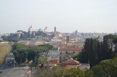 Roma dalla collina di Aventine Fotografie Stock Libere da Diritti