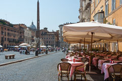 ROMA 8 DE AGOSTO: Restaurante na praça Navona o 8 de agosto de 2013 em Roma. Imagem de Stock Royalty Free