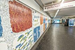 ROMA - 20 DE MAYO DE 2014: Interior del subterráneo de la ciudad La ciudad es visite Fotos de archivo libres de regalías