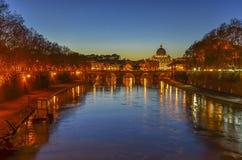 Roma e Vatican na noite Fotografia de Stock