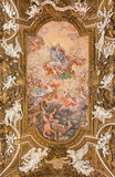 Roma - el fresco Triumph del techo de la Virgen en los di Santa Maria della Vittoria de Chiesa de la iglesia Imagenes de archivo