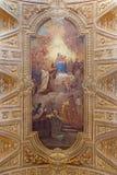 Roma - el freso del techo con Madonna y Simon Stock de Pietro Paolo Baldini de los di Santa Maria de Chiesa de la iglesia en Tran Imagen de archivo libre de regalías