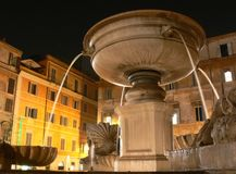 Roma em a noite, Santa Maria em Trastevere Imagens de Stock