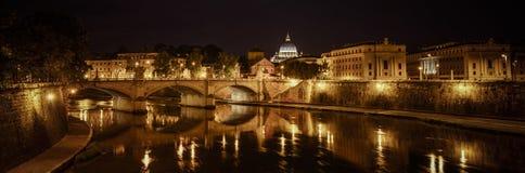Roma en la noche Imagen de archivo libre de regalías