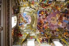 ROMA, ITÁLIA - 20 DE ABRIL: A igreja de St Ignatius de Loyola em Fotos de Stock