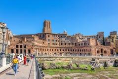 Roma/Itália - 24 de agosto de 2018: O mercado de Trajan em Roman Forum imagem de stock royalty free