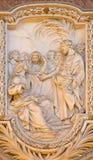 ROMA, ITÁLIA - 10 DE MARÇO DE 2016: O relevo da chamada de St Matthew na igreja Basílica di San Marco por Carlo Monaldi Fotografia de Stock