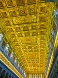 Roma, Itália - 10 de setembro de 2015: Teto da basílica de Saint Paul Fotos de Stock