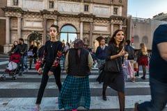 11/09/2018 - Roma, Itália: Domingo à tarde no centro da cidade, pe foto de stock
