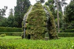 ROMA, ITÁLIA - EM AGOSTO DE 2018: Fontes históricas antigas na casa de campo D 'Este em Tivoli, Itália foto de stock