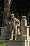 ROMA, ITÁLIA - EM AGOSTO DE 2018: Monumento Giuseppe Gioachino Belli imagens de stock