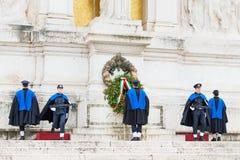 ROMA, Itália-março 24,2015: mudança do protetor no monumento Imagem de Stock Royalty Free