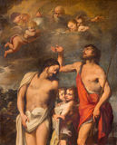 ROMA, ITÁLIA, 2016: O batismo da pintura de Cristo em di Santa Maria del Popolo da basílica por Pasquale Rossi Fotografia de Stock Royalty Free