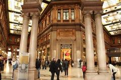 Roma, Italia - APRI 9, 2016: Galleria Alberto Sordi en Roma en A Fotografía de archivo libre de regalías