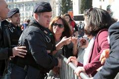 Disordini durante lo stabilimento di papa Francis a St John, Roma Fotografie Stock Libere da Diritti