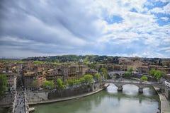ROMA, ITALIA - 17 APRILE 2010: Vista sbalorditiva alla città di Roma Fotografia Stock Libera da Diritti