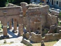19 06 2017, Roma, Italia: Bella vista delle rovine di romano famoso Immagine Stock Libera da Diritti