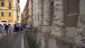 Roma, Italia - 22 06 2018: calles viejas de Roma, herencia antigua metrajes