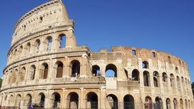 ROMA, ITALIA - CIRCA mayo de 2018: Atracción famosa Colosseum en Roma Coliseo en la capital de Italia almacen de video